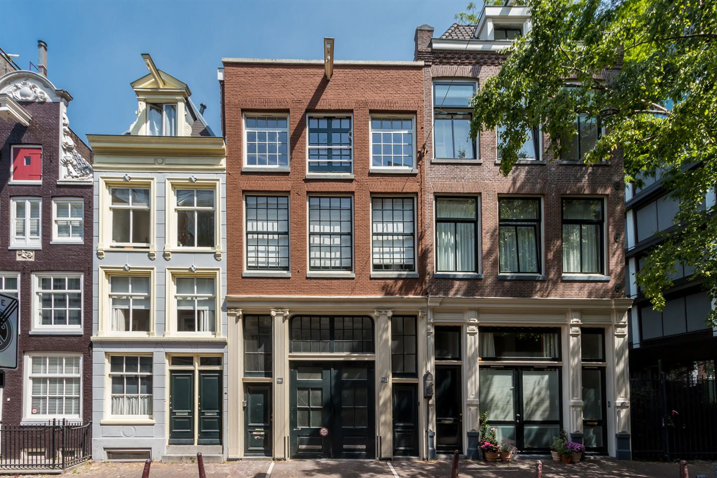 View photo 1 of Kerkstraat 221 -2