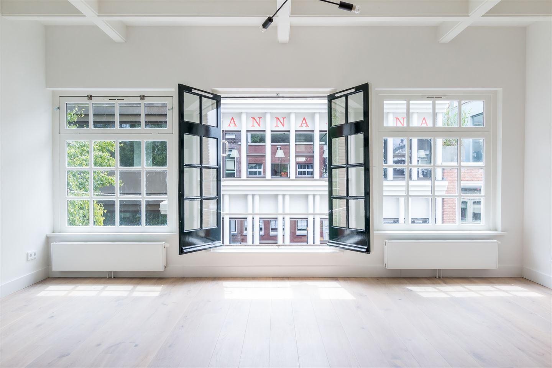 View photo 2 of Kerkstraat 221 -2