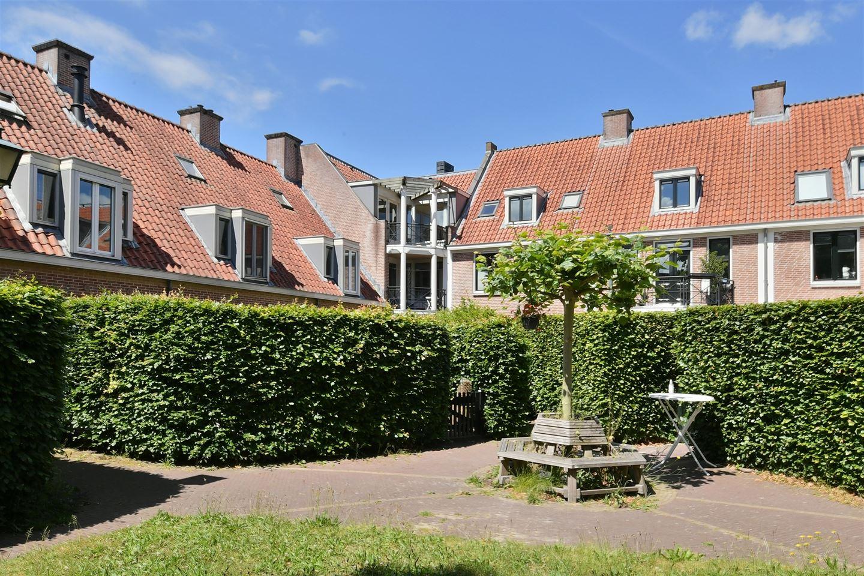 Bekijk foto 1 van Huizerpoortstraat 8 B