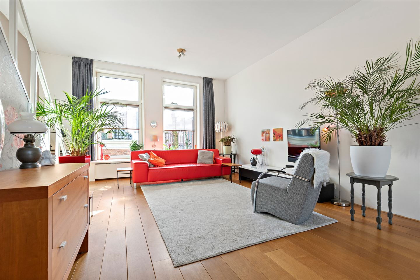 View photo 2 of Jacobstraat 32 A