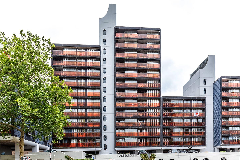Bekijk foto 1 van Burg. Hustinxstraat 208