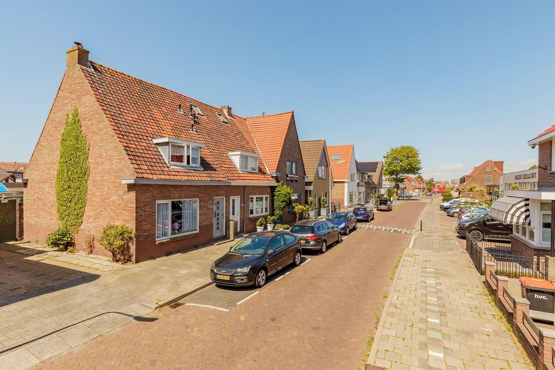 Bekijk foto 2 van Heemskerkerweg 124