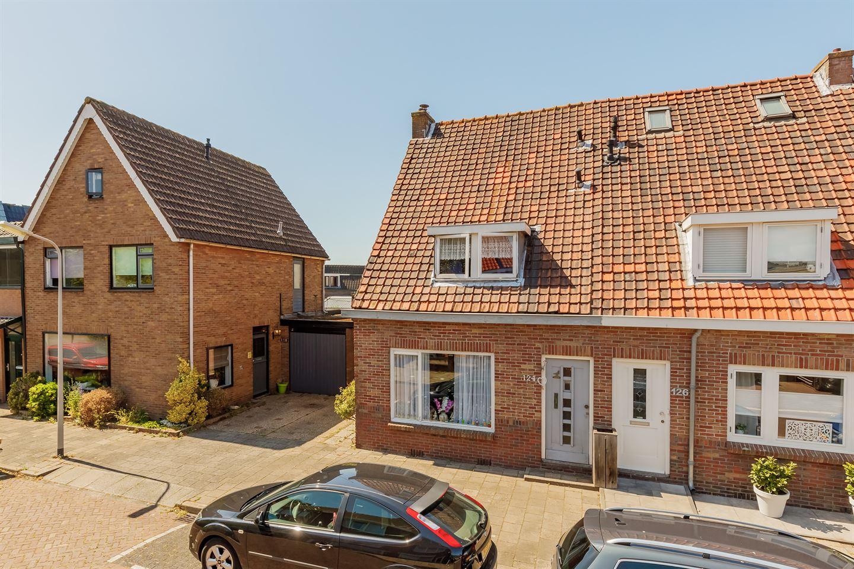Bekijk foto 3 van Heemskerkerweg 124