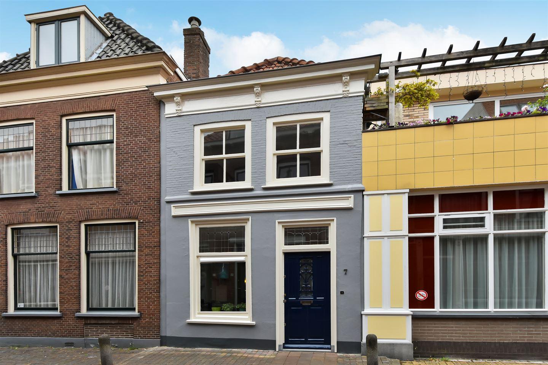 Bekijk foto 2 van Broerhuisstraat 7