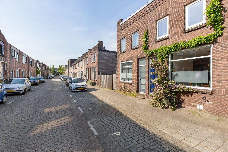 Bekijk foto 2 van Graaf van Bloisstraat 43
