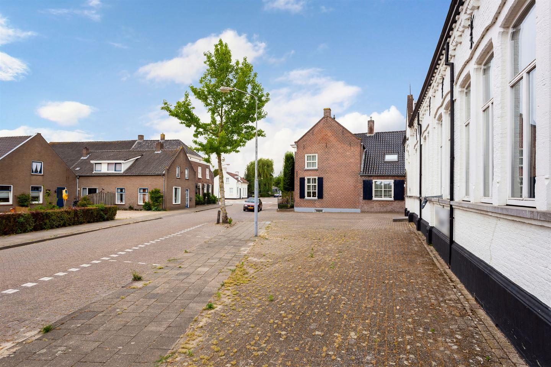 Bekijk foto 2 van Voorstraat 70 72