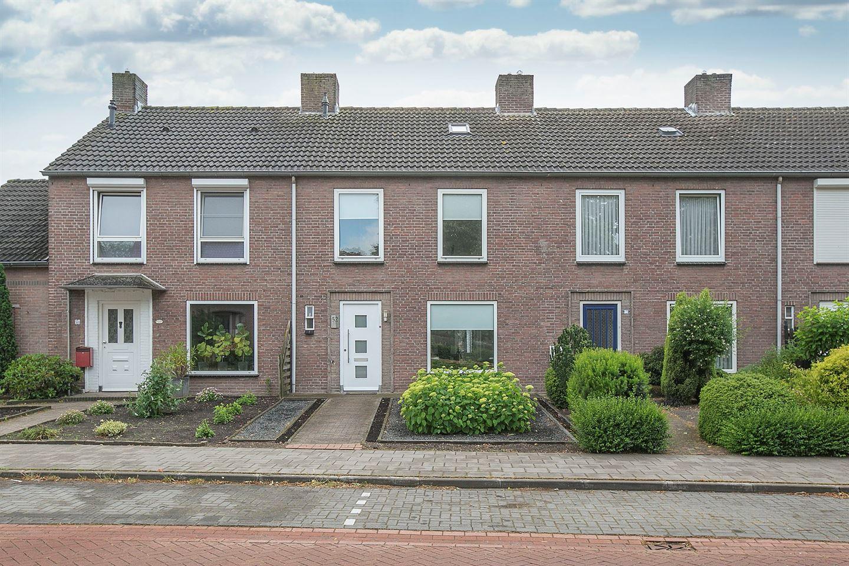 Bekijk foto 1 van Veldstraat 52
