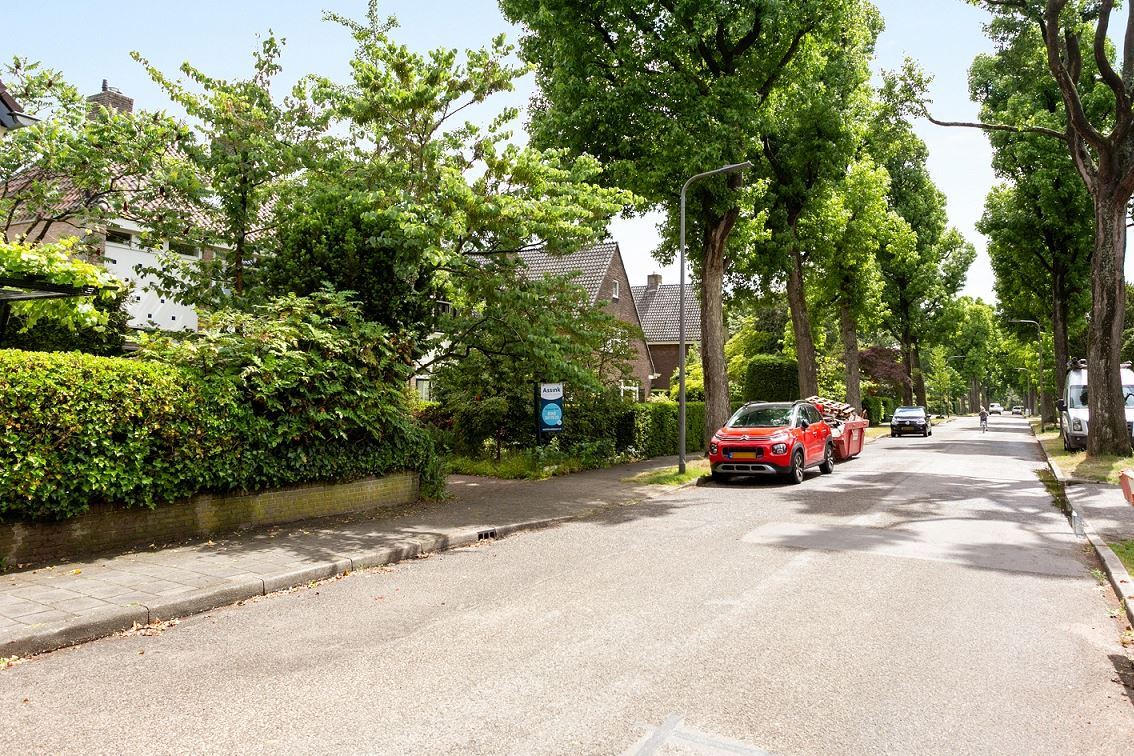 View photo 2 of Hogeweg 14 -B