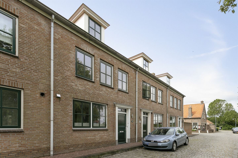 View photo 2 of Waterpoortstraat 7