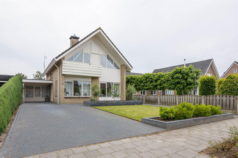 View photo 1 of Lindenlaan 19