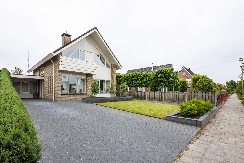 View photo 2 of Lindenlaan 19
