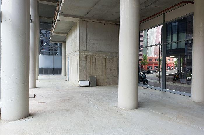 Bekijk foto 4 van Stationsplein 69 T