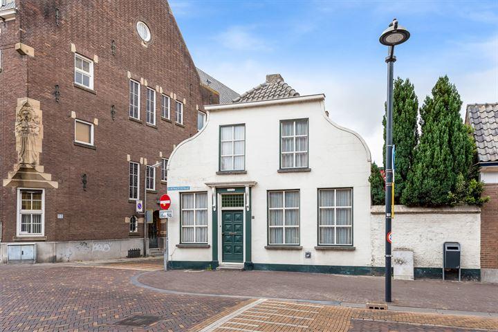 Ste Bernaertsstraat 1