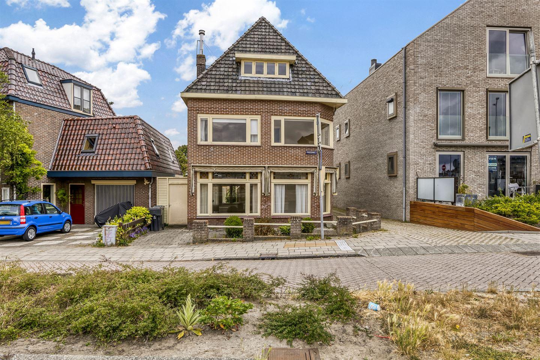 Bekijk foto 1 van Frieseweg 8