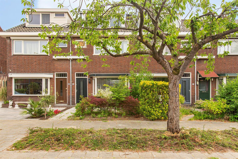 Bekijk foto 2 van Van Brienenoordstraat 13