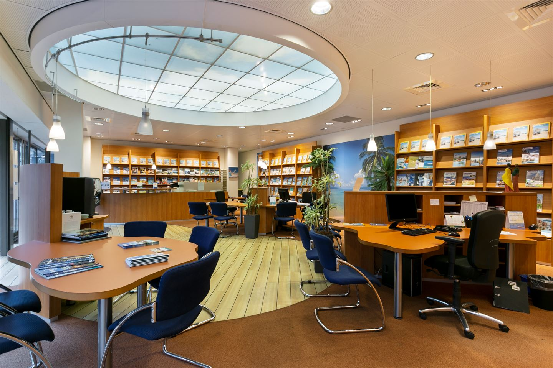 Bekijk foto 3 van Winkelcentrum Woensel 354