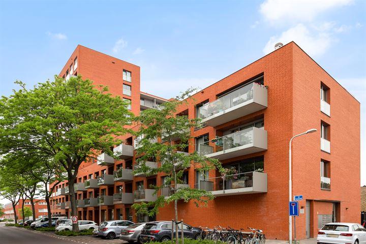 Sint Nicolaasstraat 67