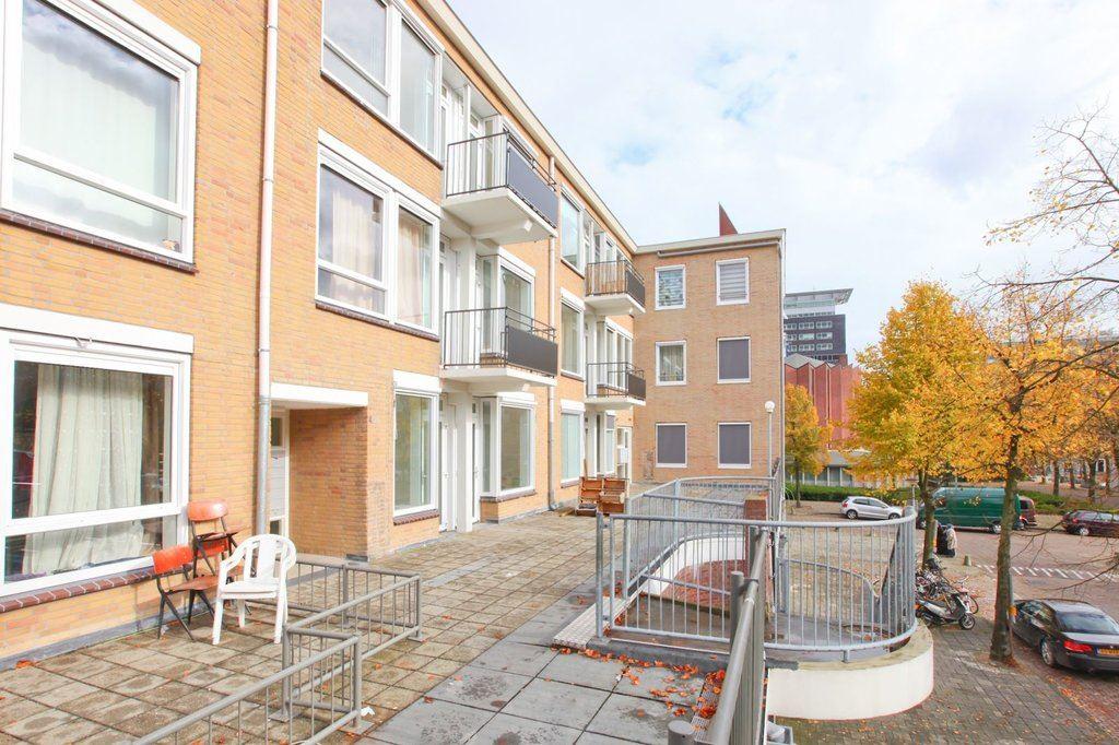 Bekijk foto 1 van Woutertje Pietersestraat 2 B