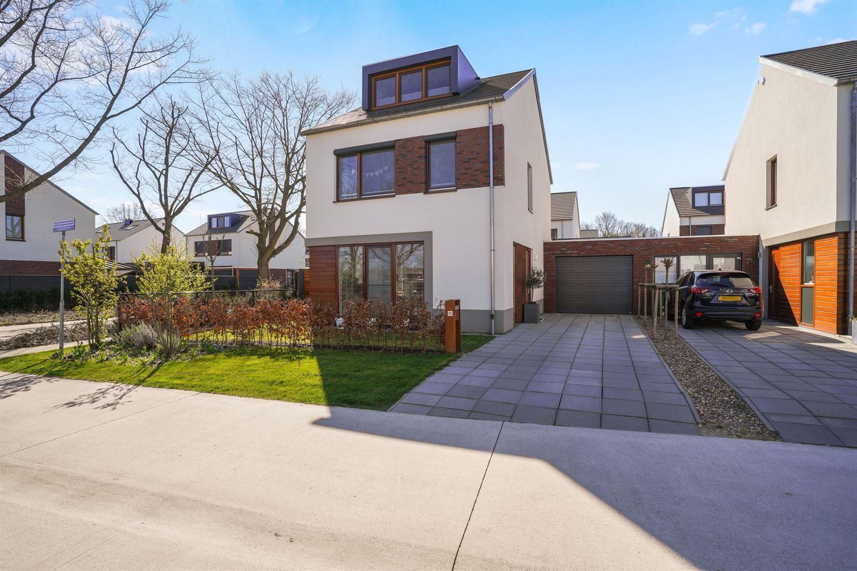 Bekijk foto 1 van Tiny Verlinden - Bremmersstraat 30