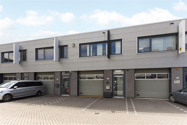 Laan van Waalhaven 90, Den Haag