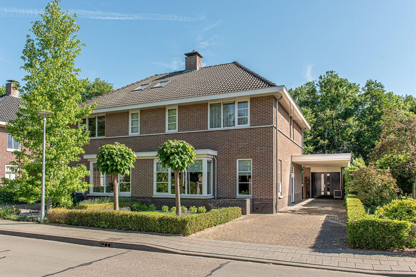 Bekijk foto 2 van Dorpsstraat 1 c