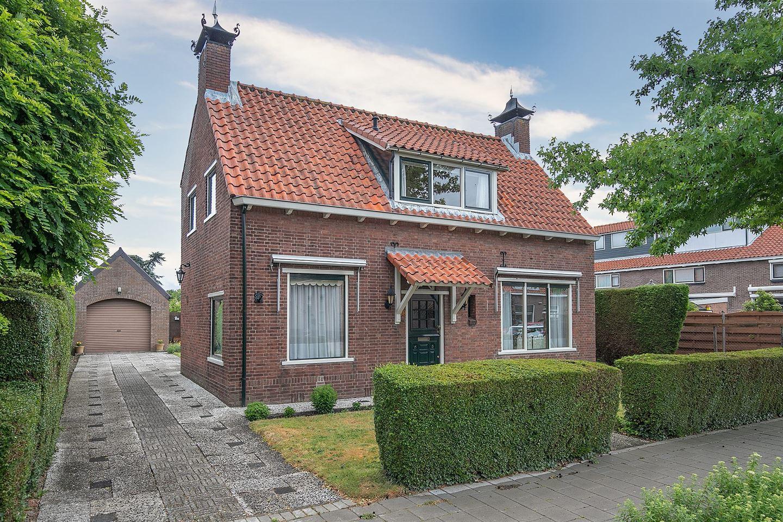 Bekijk foto 1 van Admiraal de Ruyterstraat 88