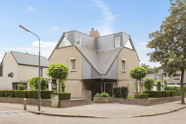Bekijk foto 2 van Oisterwijkstraat 2