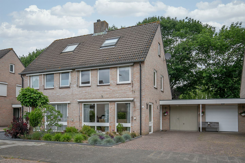 Bekijk foto 1 van Hooglandstraat 35