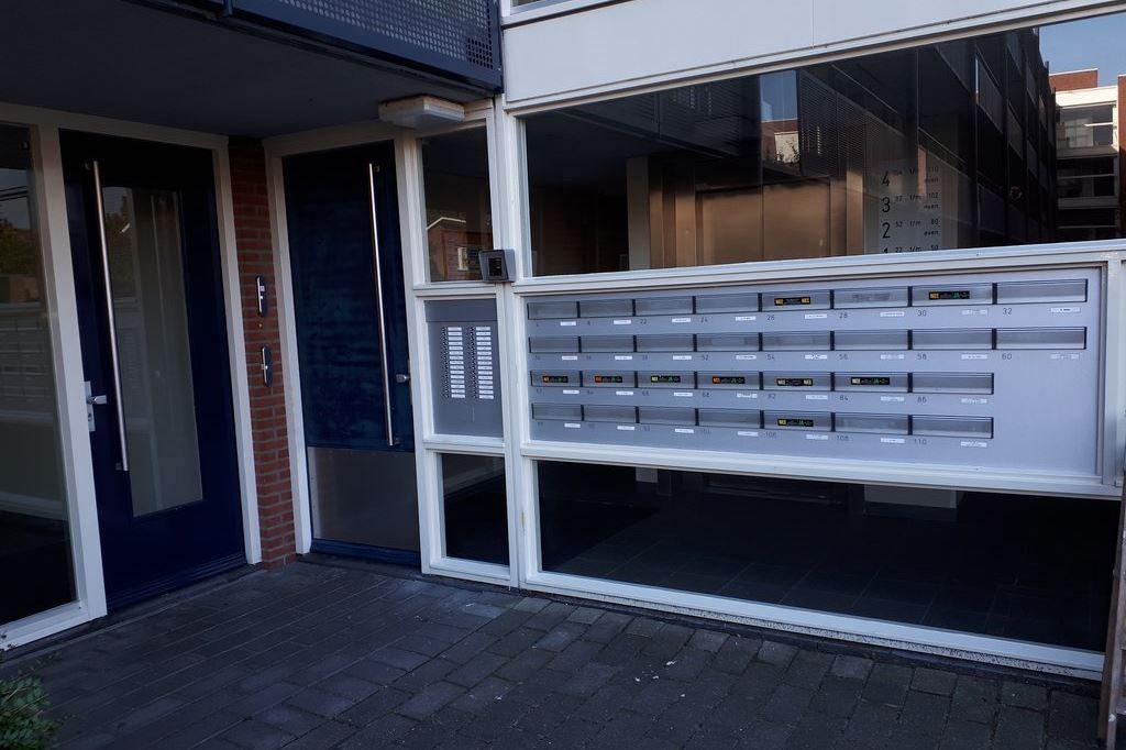 Bekijk foto 2 van Marga Klompéstraat 28