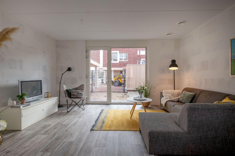 Bekijk foto 2 van Friesestraatweg 207 -10.