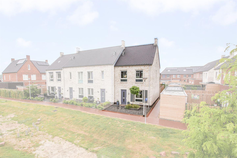View photo 1 of Dirkstraat 16