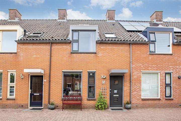 Van Rooijen-plein 44