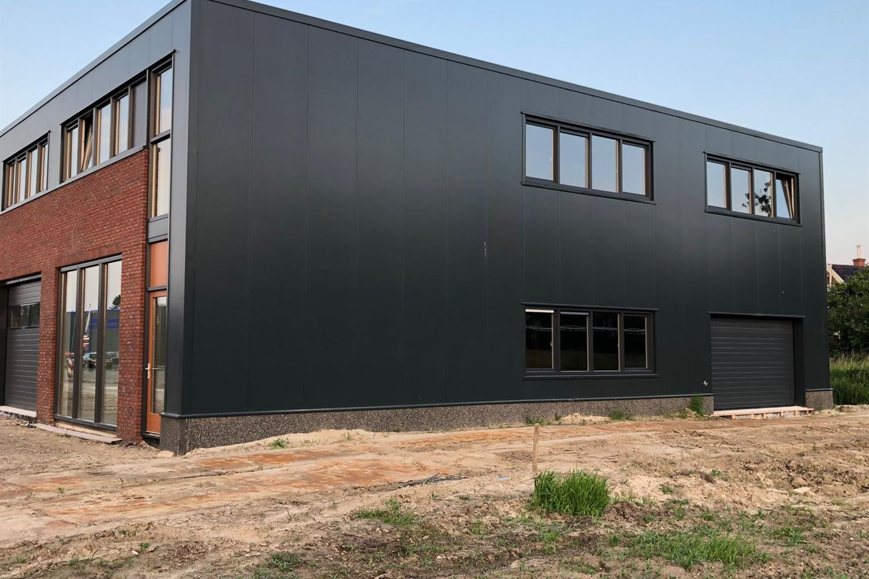 Bekijk foto 3 van Industrieweg 12