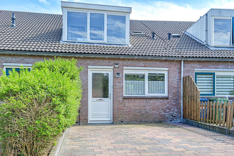 Bekijk foto 2 van Belle van Zuylenplein 16