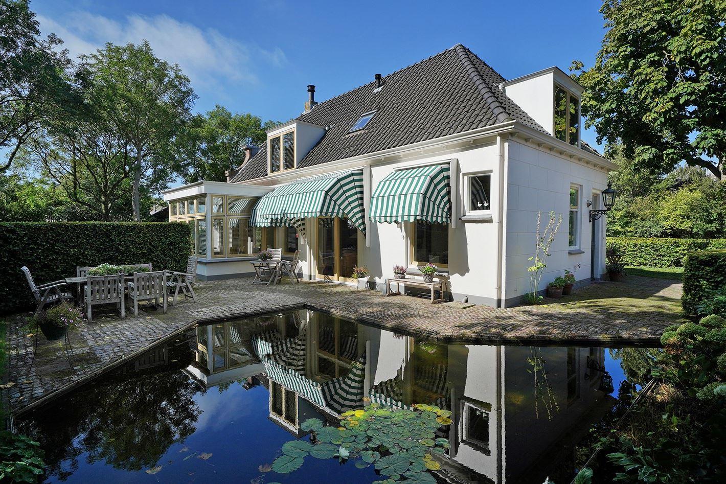 View photo 3 of Donkereweg 3