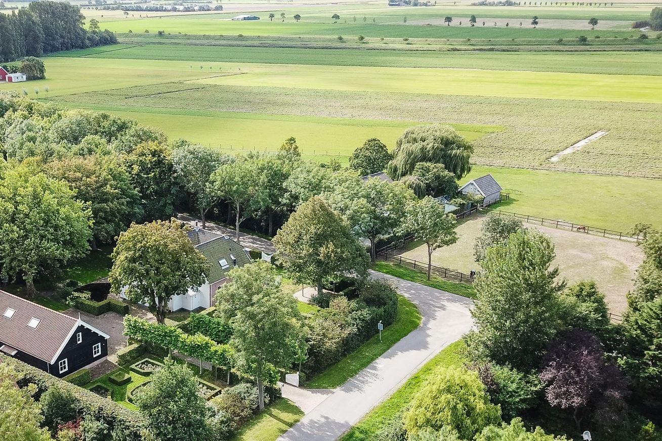View photo 4 of Donkereweg 3