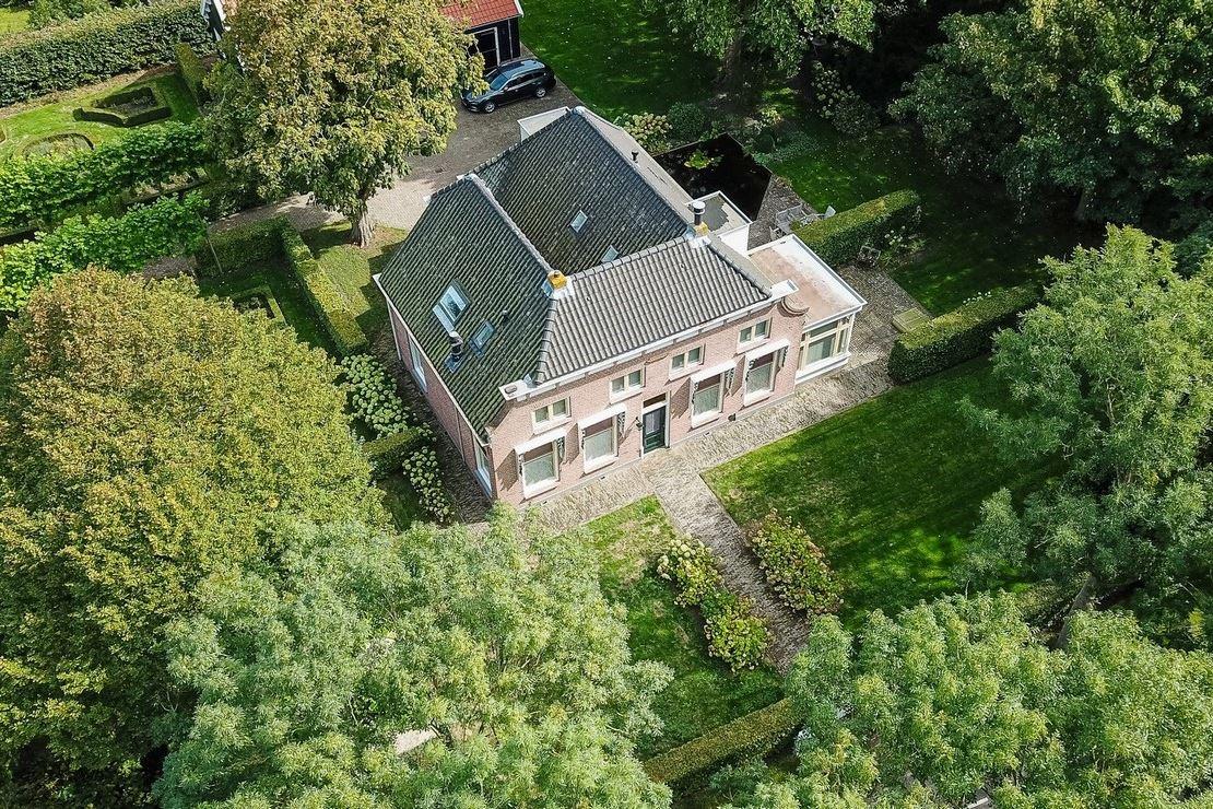 View photo 6 of Donkereweg 3
