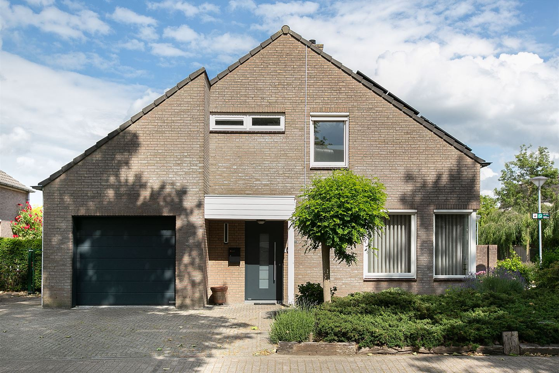 View photo 1 of Elzenstraat 35