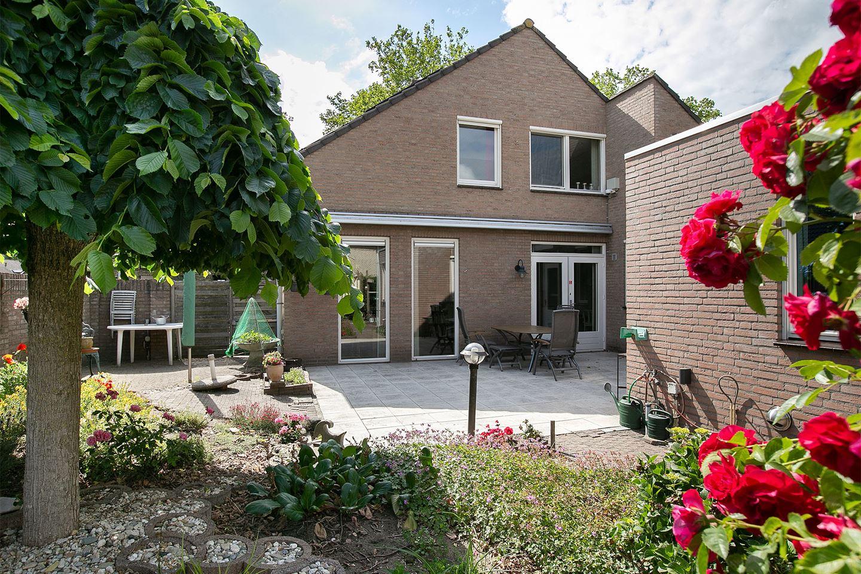 View photo 2 of Elzenstraat 35
