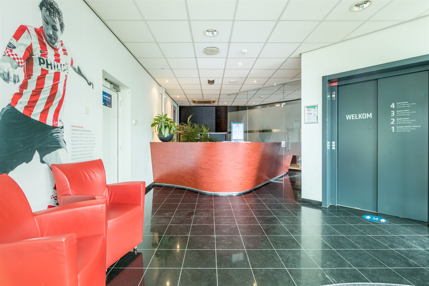 View photo 2 of Frederiklaan 10 A