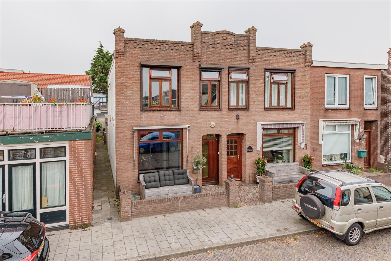 Bekijk foto 1 van Van der Zwaagstraat 5
