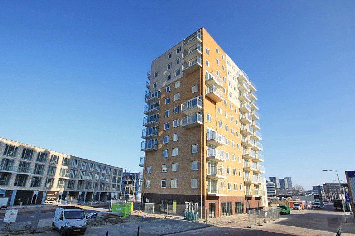 Bekijk foto 1 van Waldorpstraat 572 E