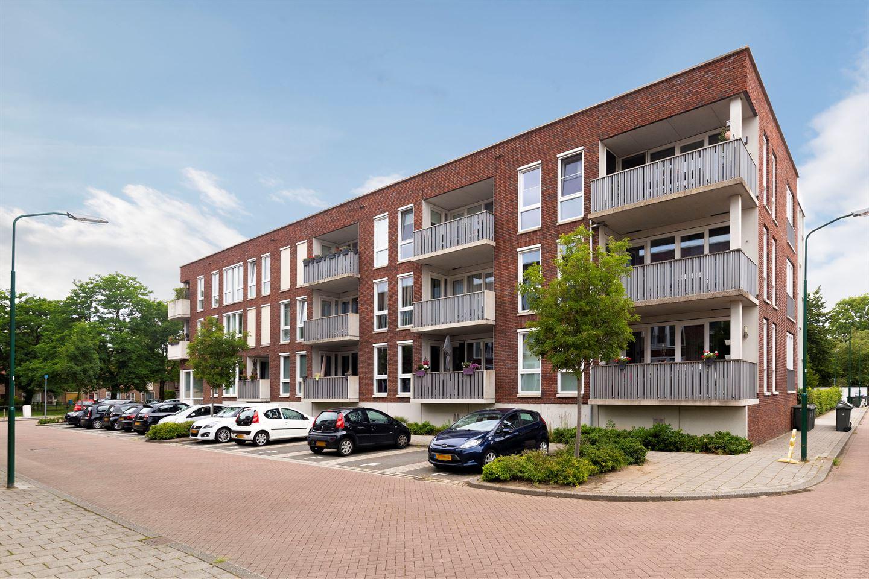 Bekijk foto 1 van Dr. Colijnstraat 7 B