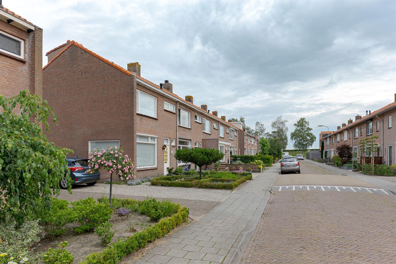 Bekijk foto 2 van Crocusstraat 16