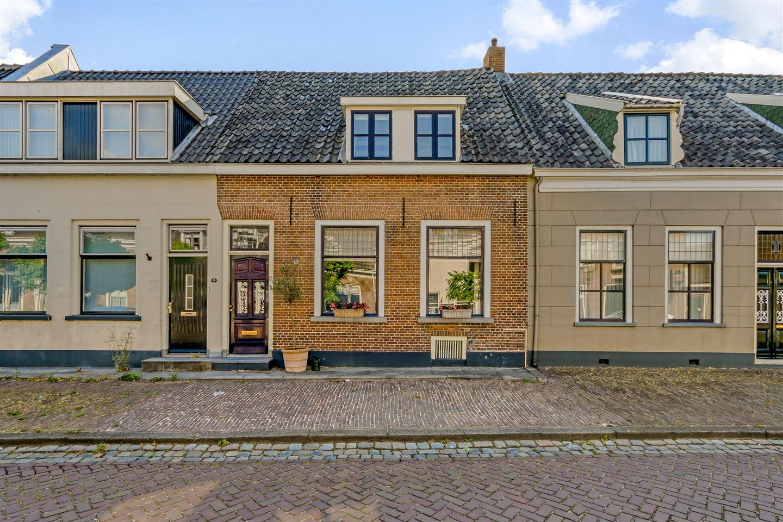 Bekijk foto 1 van Voorstraat 64