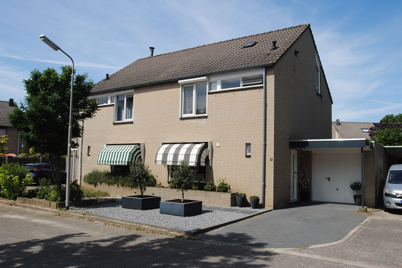 Bekijk foto 1 van Lievekamphof 9