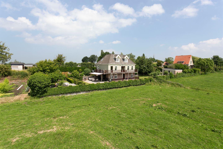 Bekijk foto 2 van Broekermeerdijk 21