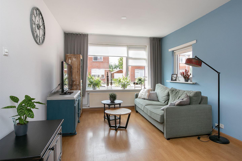 Bekijk foto 2 van Burgemeester Dijkhuisstraat 16