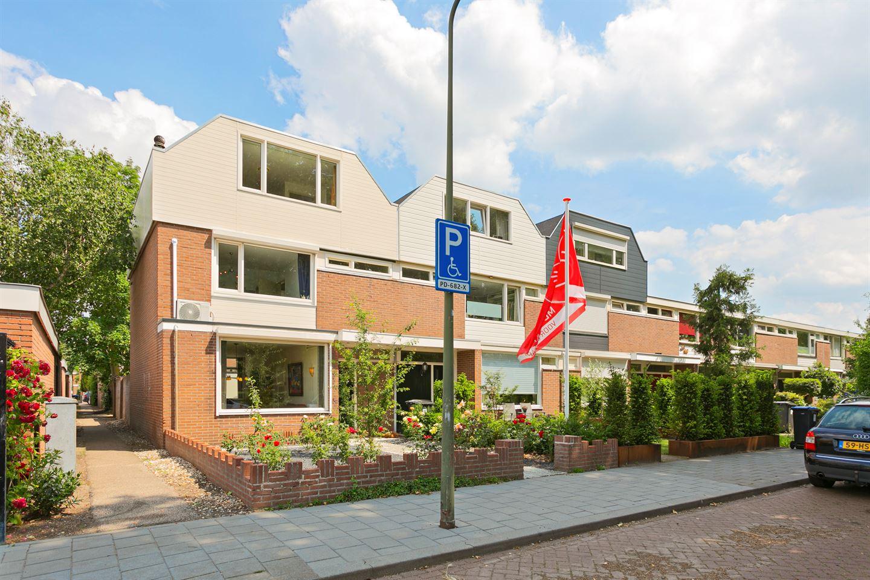 Bekijk foto 2 van Jan van Delftstraat 6