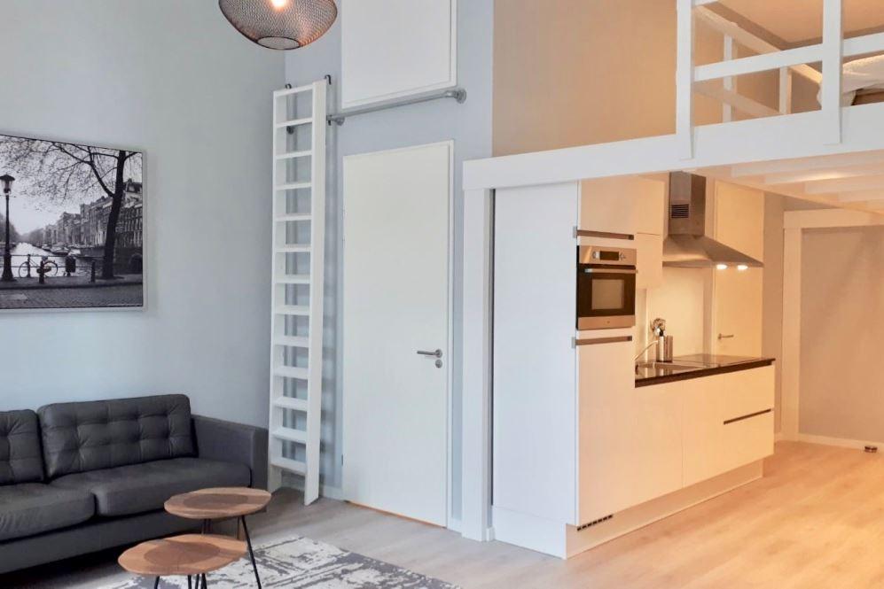 Bekijk foto 3 van Johan van der Keukenstraat 71 E